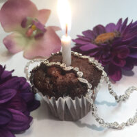 cupcake plat necklace